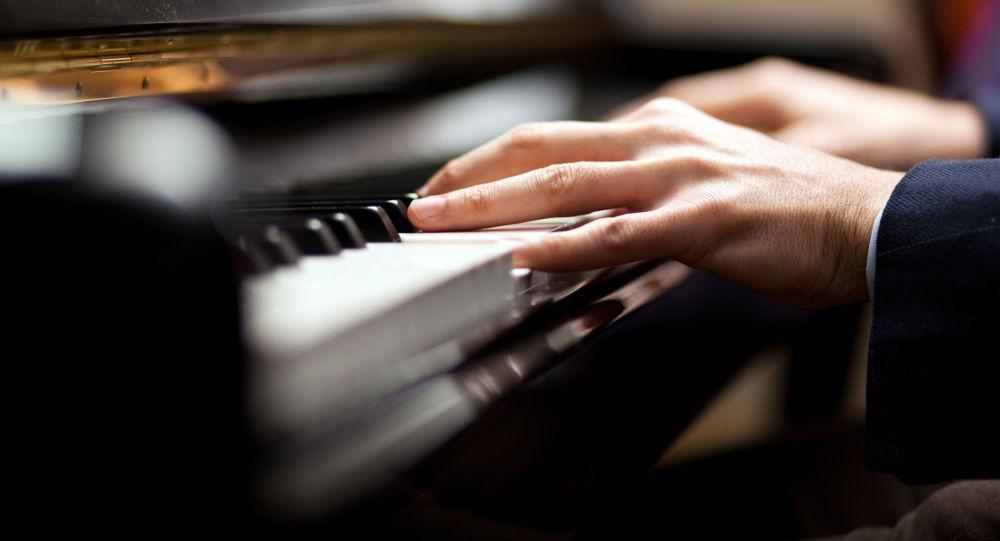 中加学者:音乐课有助提高听说能力