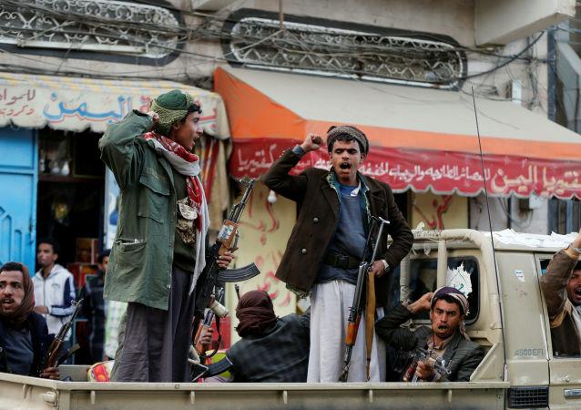 也门胡塞武装称将在调查程序结束后释放被扣押记者