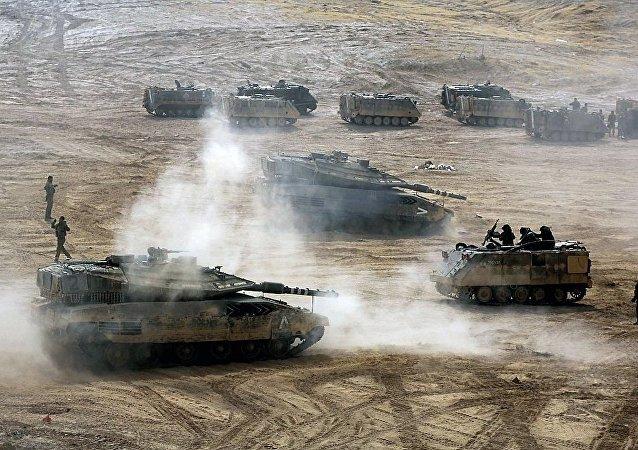 以色列军队出现首批女坦克军人