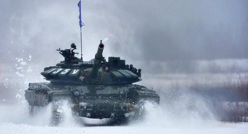 """莫斯科近郊为中国客人表演""""坦克芭蕾"""""""