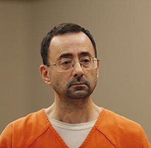 外媒:美國體操隊前隊醫被判刑60年