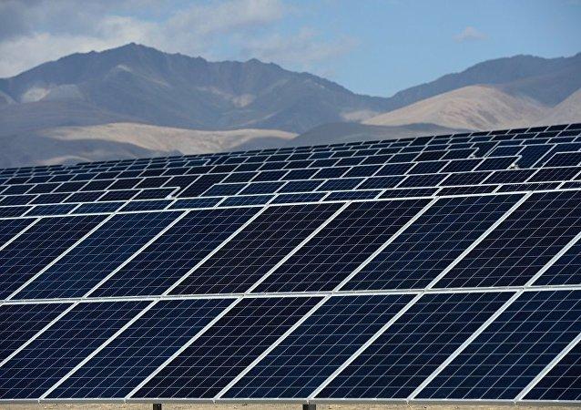 俄罗斯物理学家在石墨烯和量子点基础上制造太阳能电池