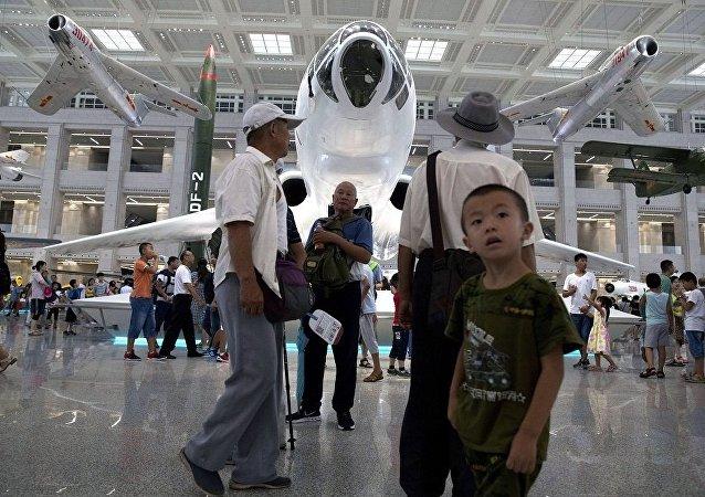 中國軍費開支只有美國1/4但其軍事潛力相差無幾