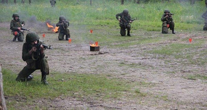 夏季軍事夏令營