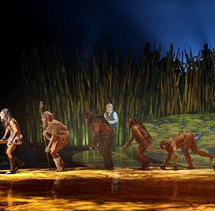 科学家:人类祖先400多万年前已开始直立行走