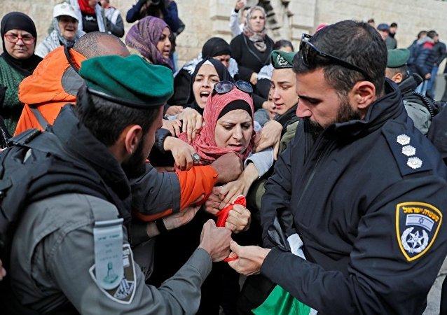 医务人员:巴勒斯坦人与以色列强力人员的冲突中伤者已逾200人