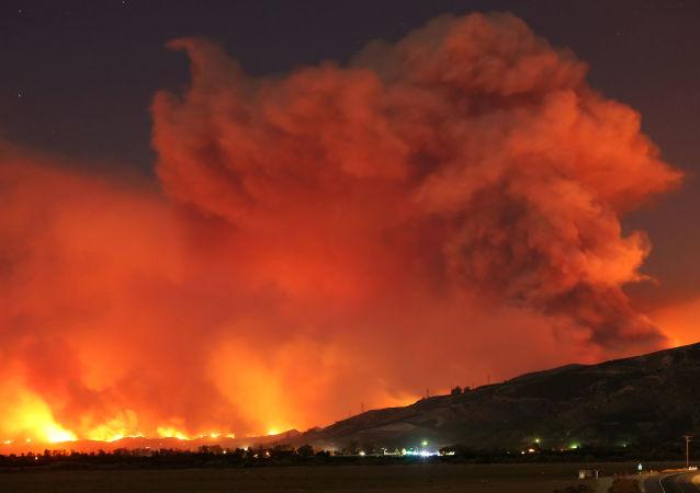 加利福尼亚州森林火灾(资料图片)