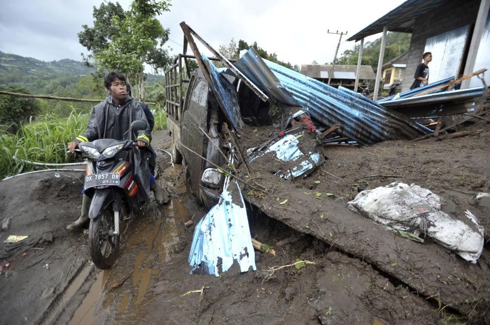 巴厘岛泥石流