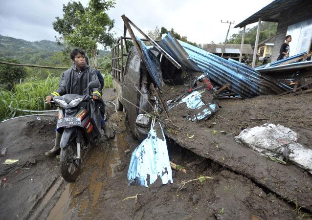 印尼山體滑坡已經造成8人死亡