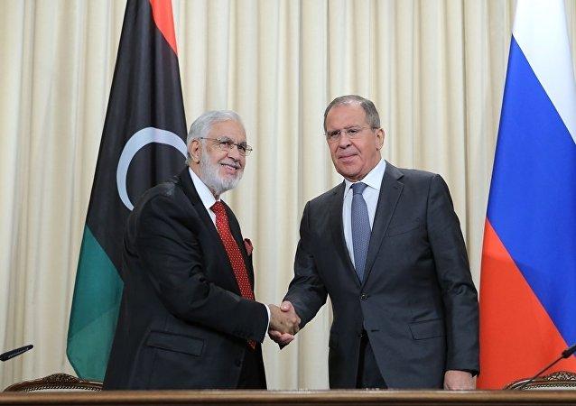 拉夫罗夫与利比亚外交部长西亚拉