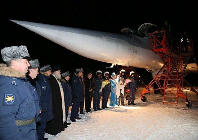 """打击在叙""""伊斯兰国""""武装分子的俄轰炸机返回摩尔曼斯克州"""