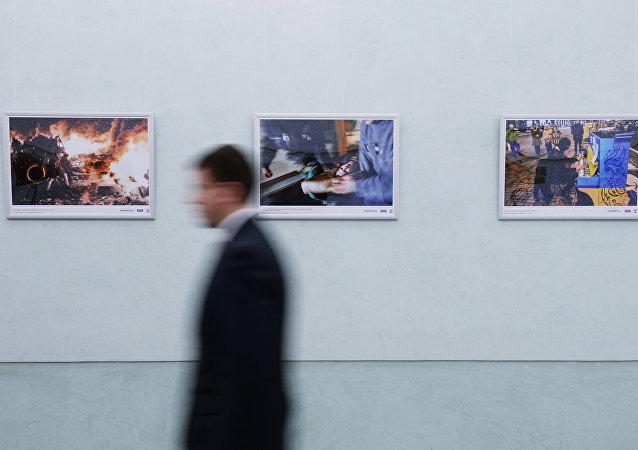 """""""记者的职责""""的展览"""