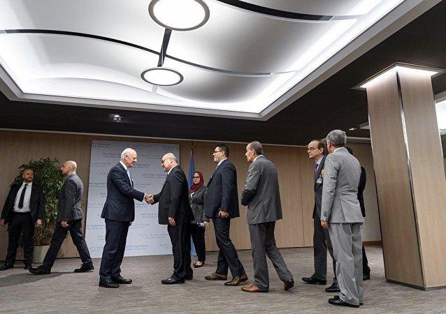 叙反对派代表与联合国叙利亚问题特使德米斯图拉