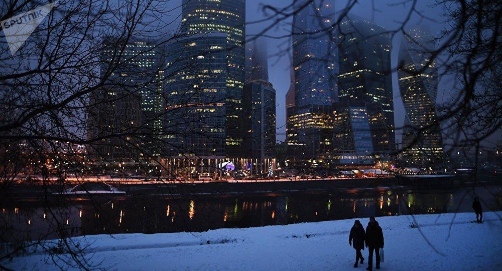 普京:俄经济增长是事实 不存在虚报