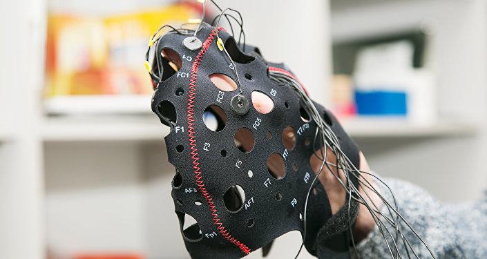 俄科學家發明出遠距離傳輸思想的神經巴拉萊卡