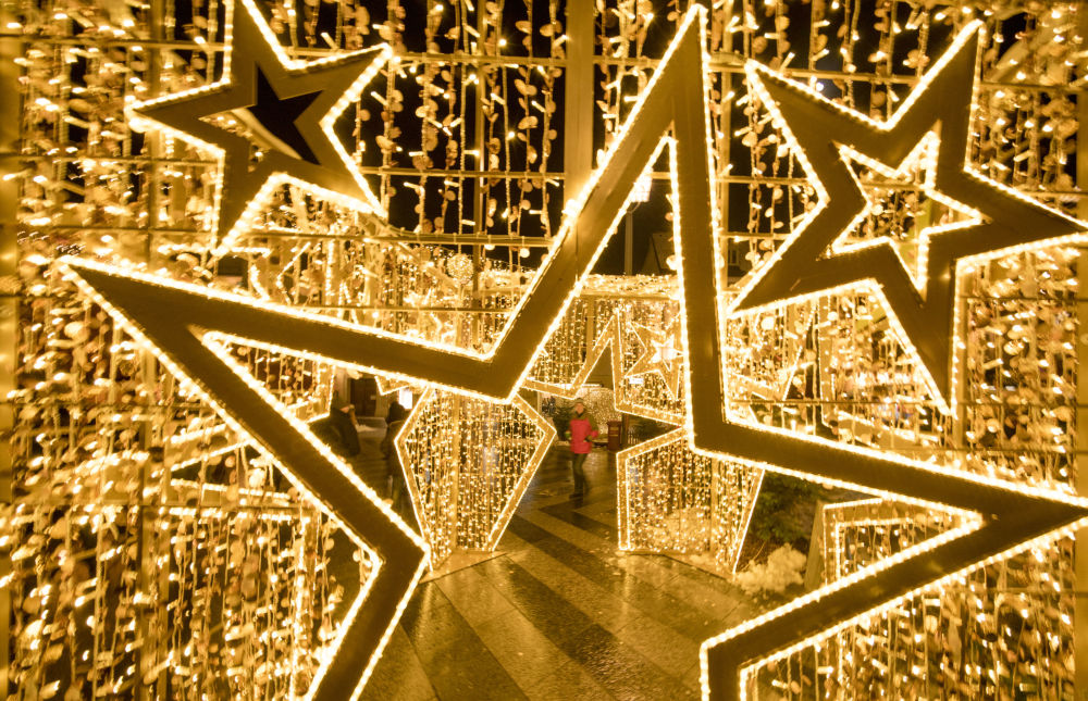 奥地利圣珀尔滕市的圣诞装饰