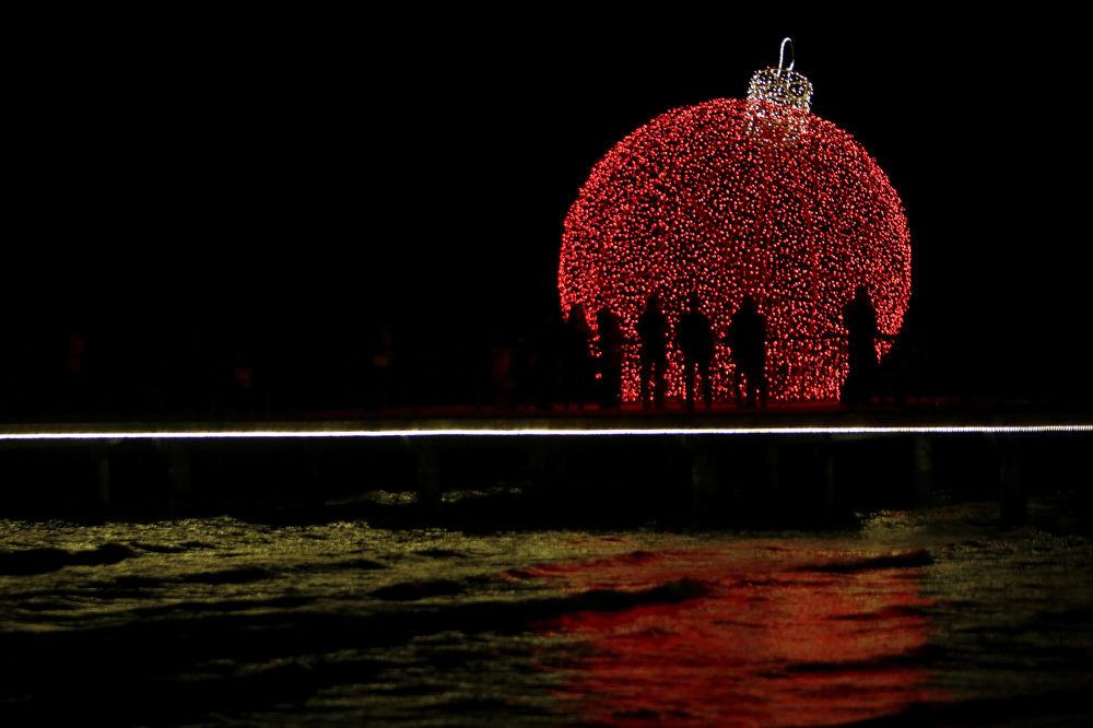 塞浦路斯拉纳卡市的新年彩灯