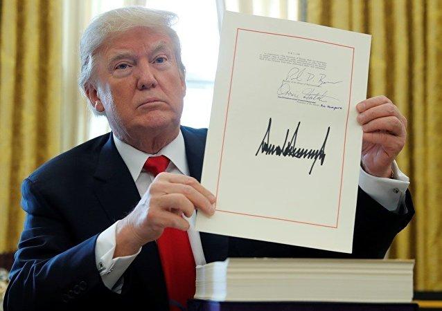 美国总统签署税改法案