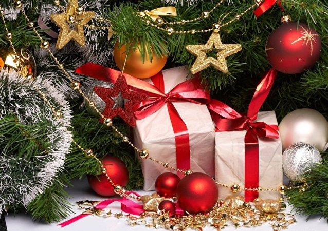 调查:俄罗斯人今年打算缩减新年礼物开支