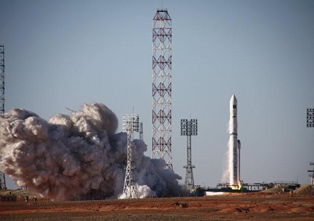 安哥拉首枚卫星已从拜科努尔发射场发射升空