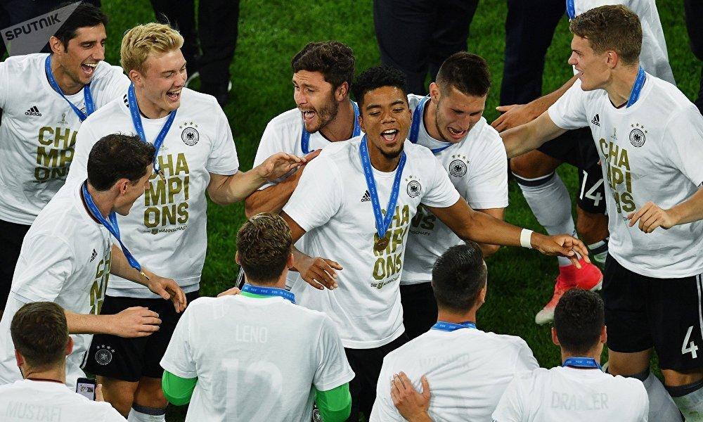 德国国家足球队用俄语感谢俄罗斯组织并举办2017年联合会杯,并且承诺将重返俄罗斯参加2018年世界杯。