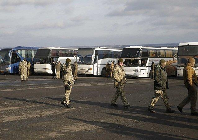 顿巴斯地区启动自冲突爆发以来最大规模俘虏交换行动