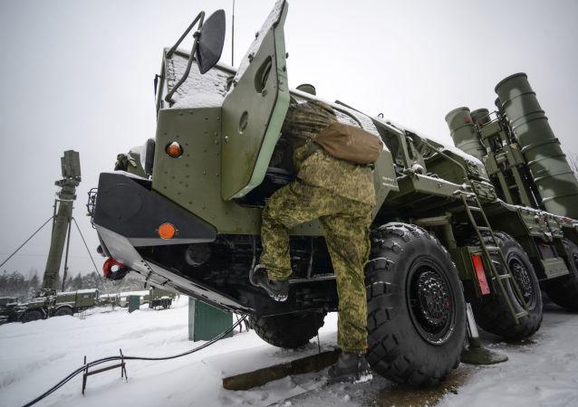 俄副总理:或将于近期同印度签署供应S-400系统的合同