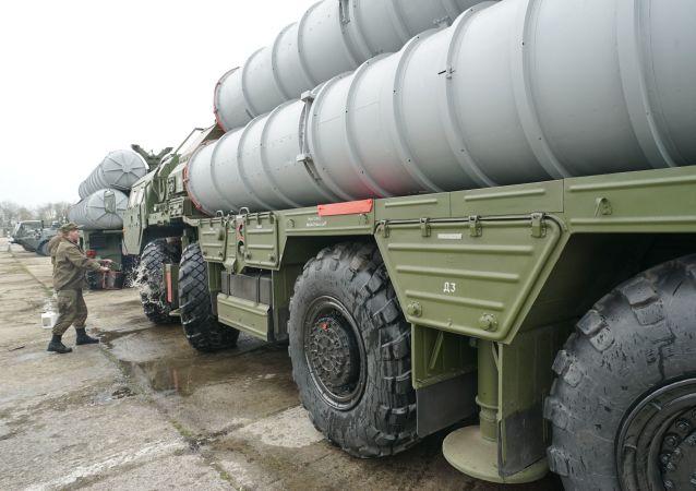 媒体:俄土已在安卡拉就S-400防空导弹系统交易签署贷款协议