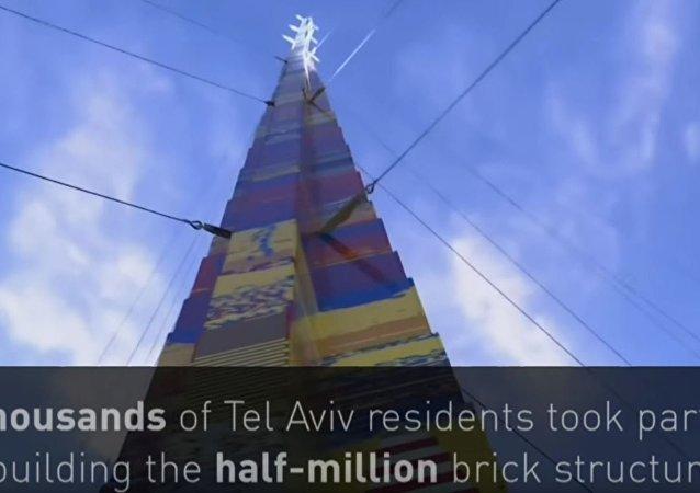 网上爆出世界第一乐高积木塔搭建视频