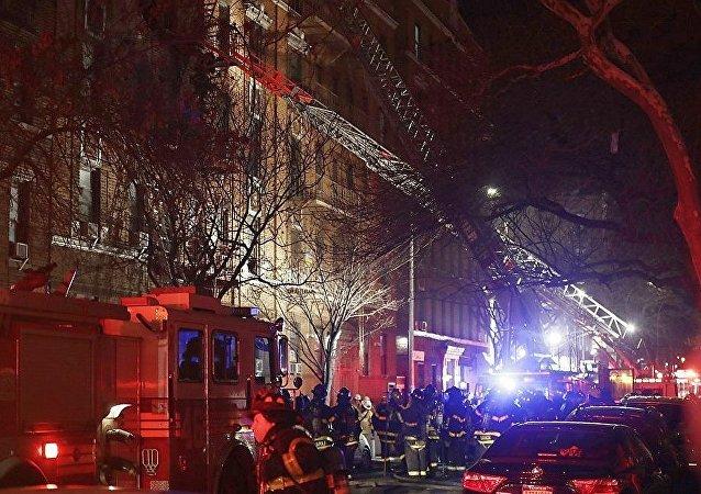 媒体:纽约火灾至少造成11人遇难