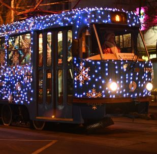 莫斯科街头的新年有轨电车