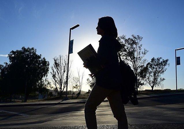 年度總結:中國歡迎外國留學生 但他們難找工作