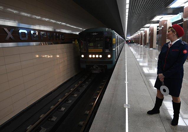 31 декабря 2017 г. начала работать станция Ховрино Московского метро
