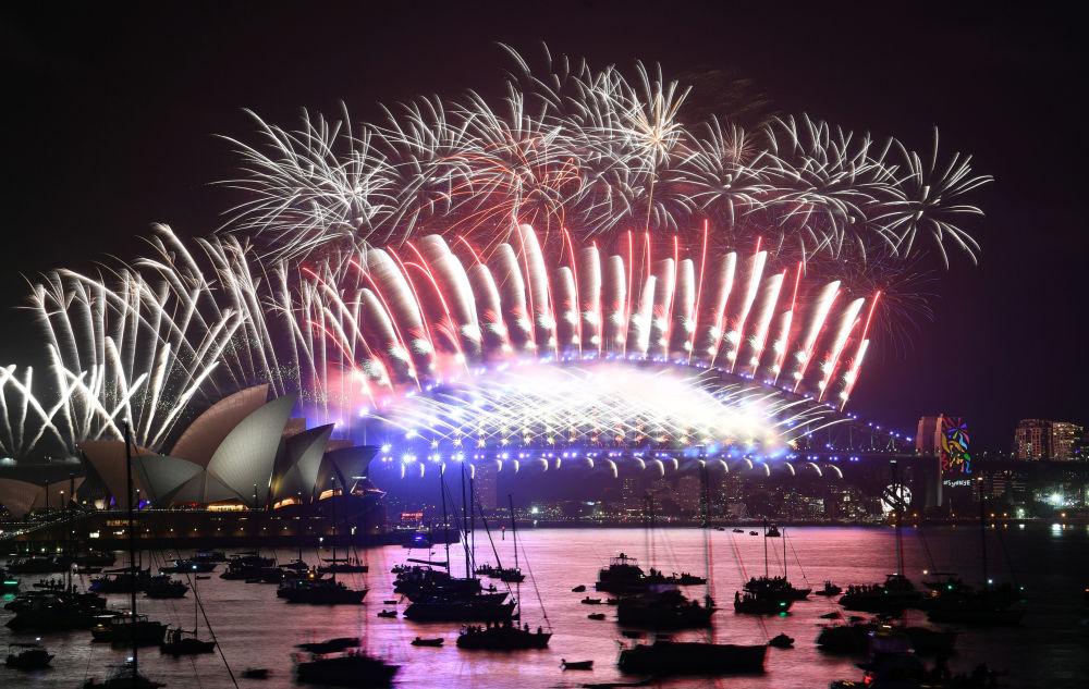 澳大利亞燃放新年煙花。