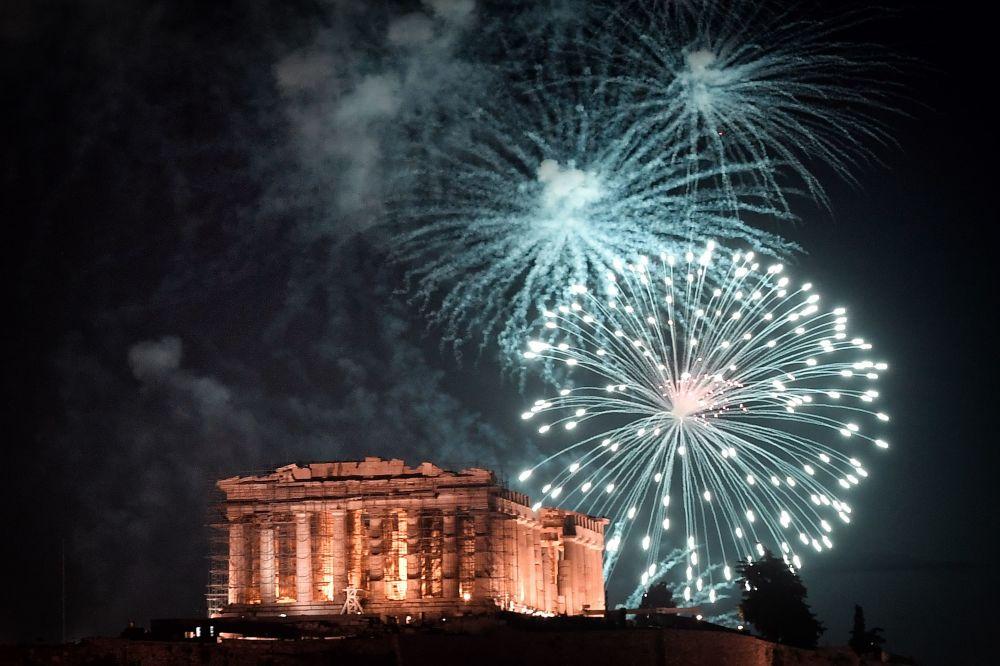 希臘慶祝新年。