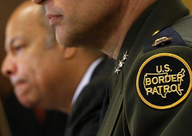 美国海关边境保护局警官
