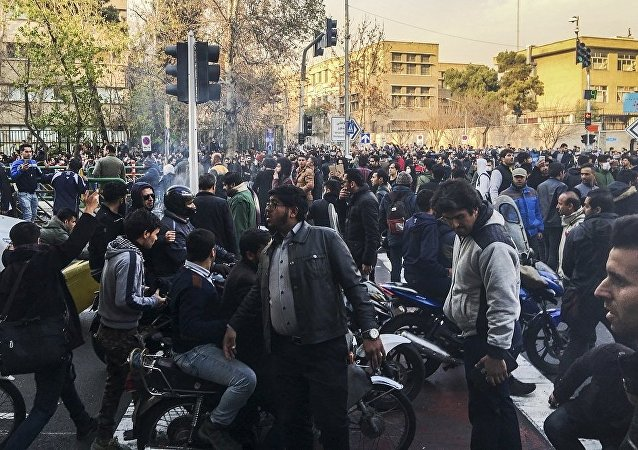 伊朗发生反暴力抗议活动