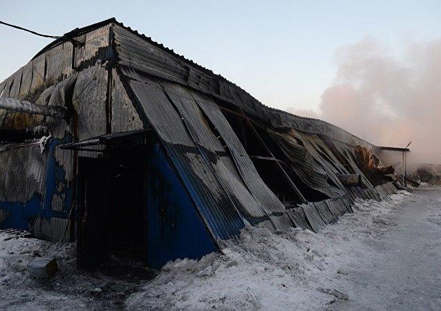 中國駐俄領事官員赴俄倉庫火災現場處置中國公民傷亡事宜