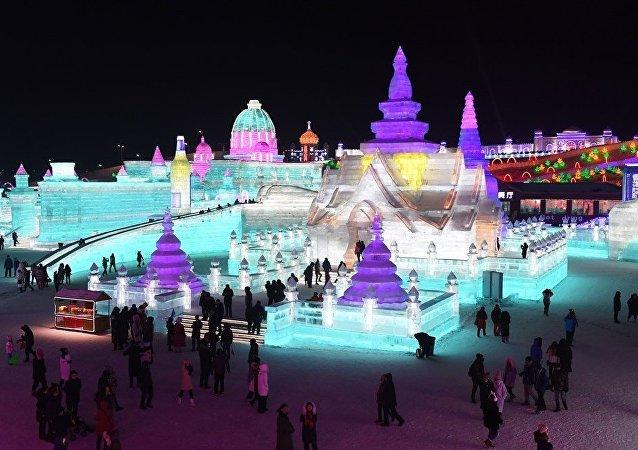 中国哈尔滨国际组合冰冰雕比赛
