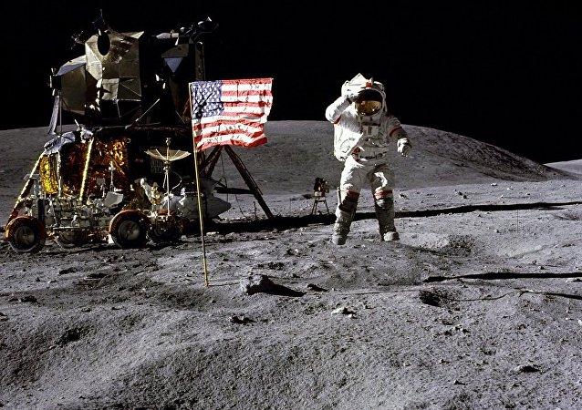 美国宇航员约翰·杨