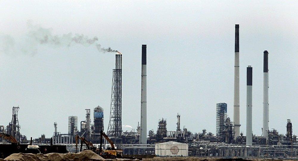 新加坡警方拘捕17名涉嫌窃取壳牌公司燃料嫌疑人
