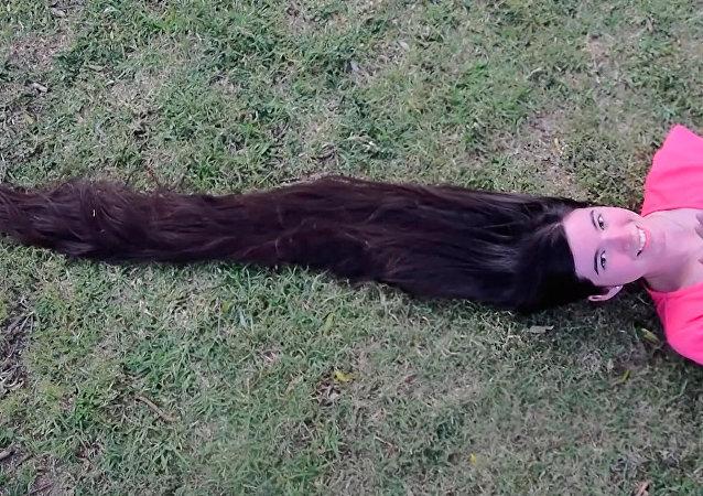 阿根廷长发公主10年留1米5长发