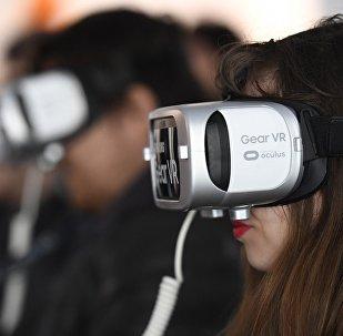 Facebook通过和小米公司合作生产VR头戴设备切入中国市场
