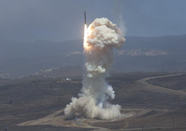 Запуск ракеты-перехватчика