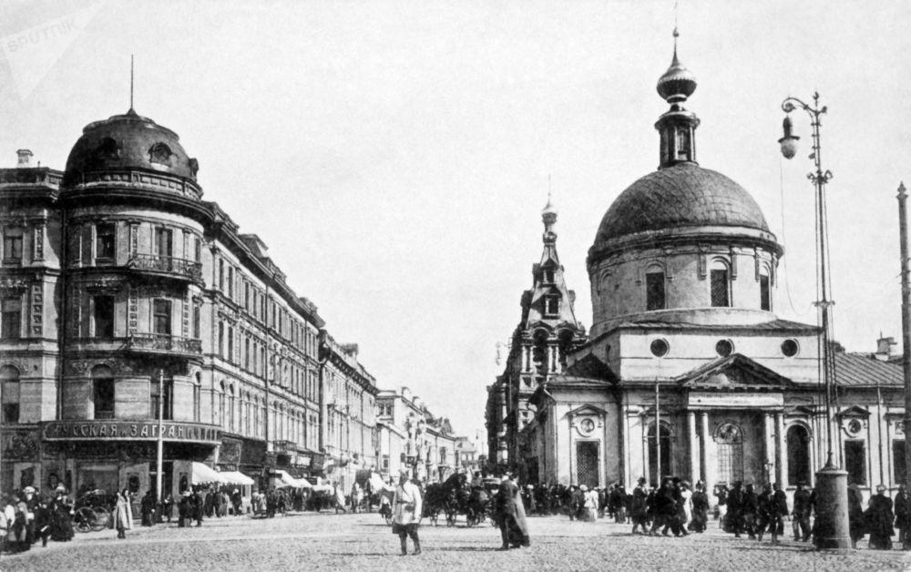 莫斯科特维尔大街,1914年。
