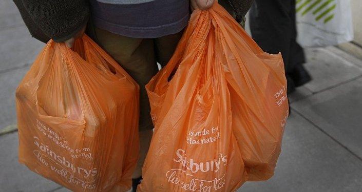 欧盟:中国1月1日起已禁止从欧盟进口塑料垃圾