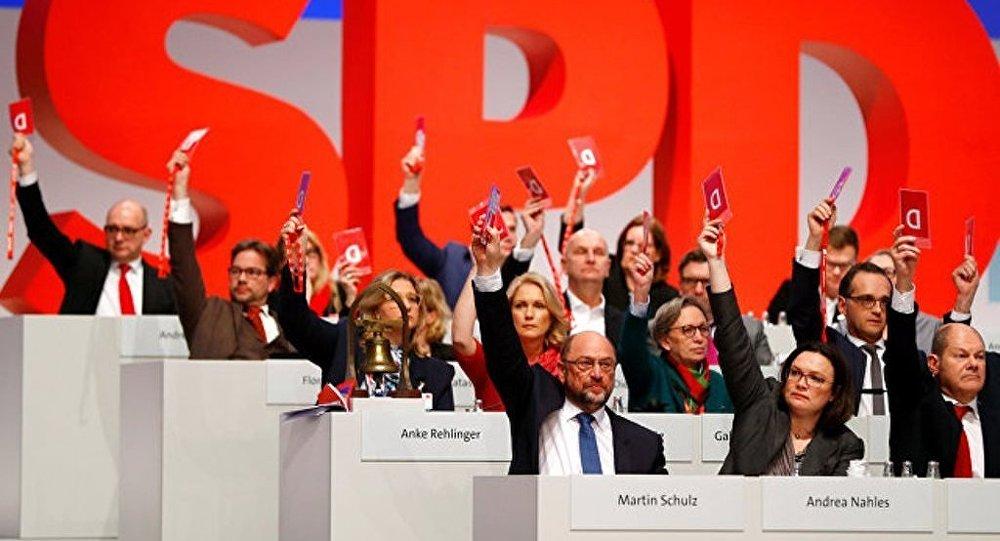 根據同聯盟黨會談結果達成開始組建政府的協議