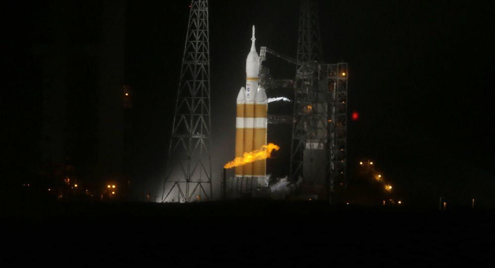 """""""德尔塔-4""""型运载火箭"""