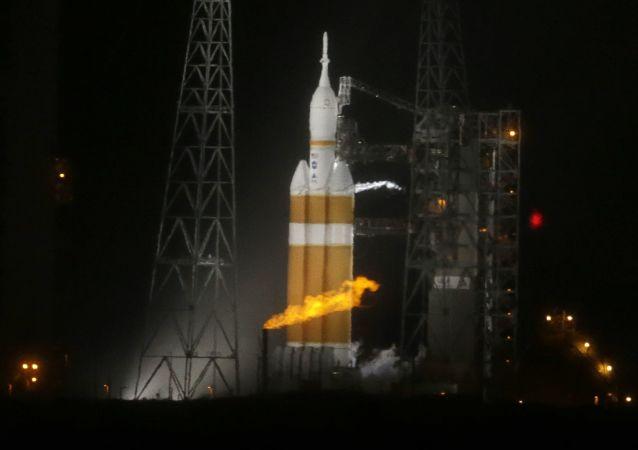 """Rocket Lab""公司首次成功发射火箭"
