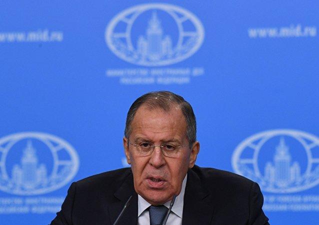 俄外长:俄罗斯愿意接待欧安组织观察员监督总统选举
